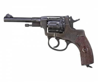 Списанный учебный револьвер Наган